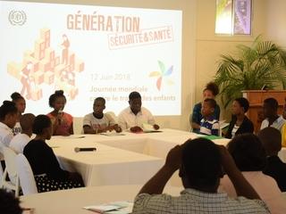 Enfants et adolescents haïtiens luttent contre le travail des enfants